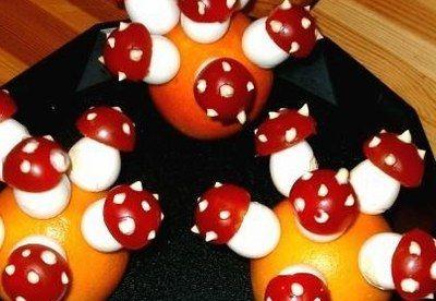 De jolis champignons vénéneux fabriqués avec des tomates cerises, de quoi faire manger autre chose que des bonbons à vos enfants pour Halloween