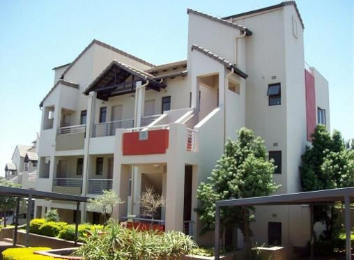 2 bedroom Apartment / Flat to rent in Sunninghill  for R 6800 with web reference 103410256 - Smith Anderson Realty