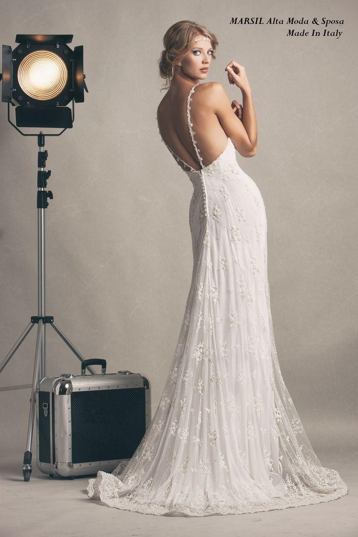Veronica,abito in chiffon in seta e ricamo prezioso di fiori con cristalli. #marsilmodasposa #weddingdress #abitodasposa #madeinitaly