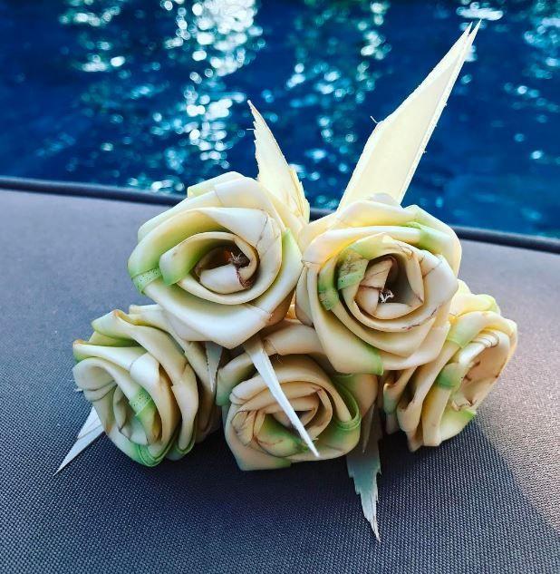 Anantara Dhigu palm bouquet