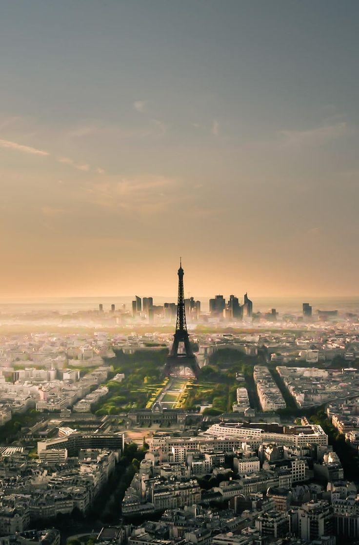 Paris @}-,-;--