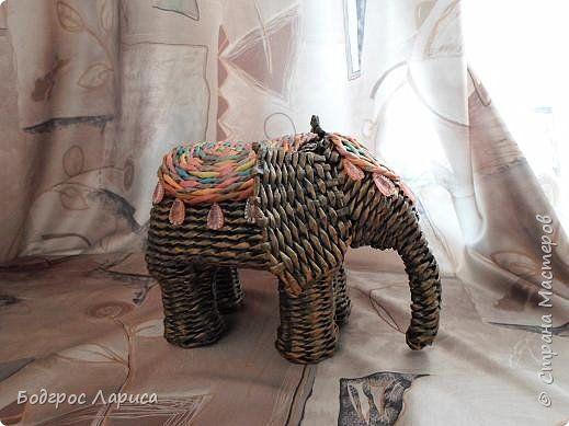 Поделка изделие Плетение Африканцы и слон Бумага газетная Трубочки бумажные фото 5