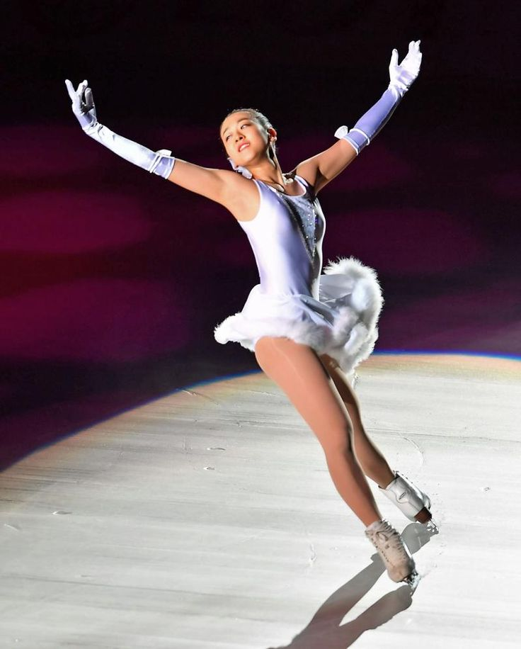 THE・ICEで演技する浅田真央 (800×996) 「浅田真央ポケモンGO滑った?ルールが…まだ3匹」 http://www.nikkansports.com/sports/news/1687017.html