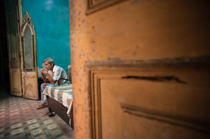 inside Havana - Alison McCauley - VIVO Collective - 35138 - Street photography