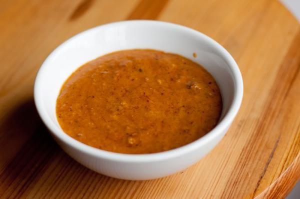 Aprenda a preparar molho satay tailandês com esta excelente e fácil receita.  Cremoso, apimentado e levemente agridoce, o molho satay tailandês é perfeito para...