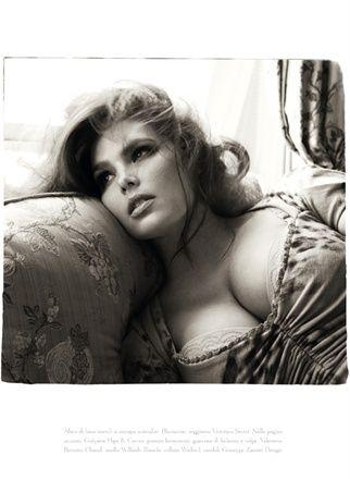 Curvy women photoshoot - stunning.