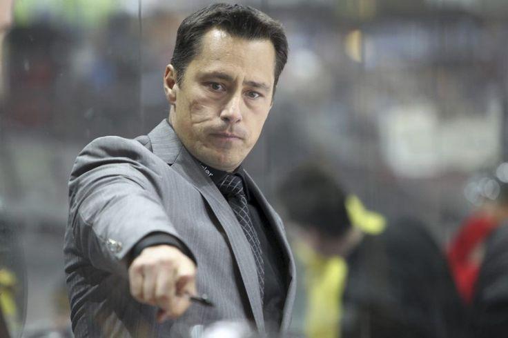 L'ex-entraîneur du Lightning de Tampa Bay Guy Boucher a été nommé l'entraîneur-chef de l'équipe canadienne qui participera à la Coupe Spengler du 26 au 31 décembre 2014