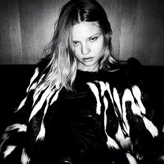 Magdalena Frackowiak http://www.vogue.fr/mode/mannequins/diaporama/la-semaine-des-tops-sur-instagram-19/17817/image/978720#!magdalena-frackowiak-au-diner-vogue