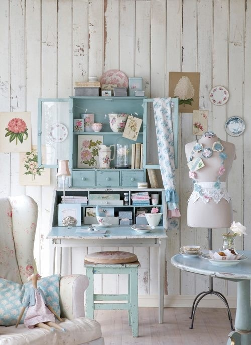 A blue dainty room...if only I could have this for my room