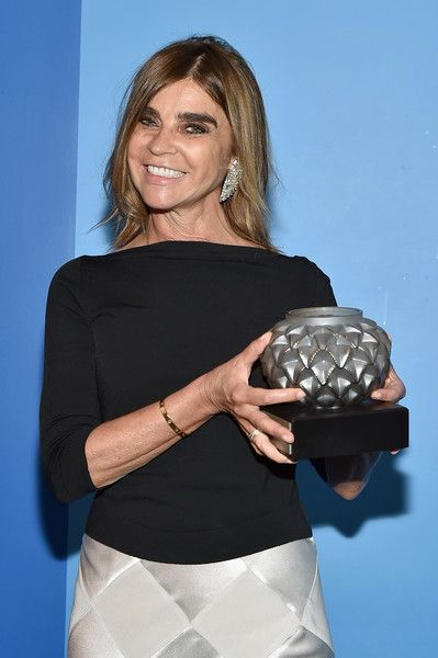 Carine Roitfeld Photos Photos - Honoree Carine Roitfeld (L) attends French Institute Alliance Francaise (FIAF)'s 2017 Art de Vivre Award Gala at French Institute Alliance Francaise on June 12, 2017 in New York City. (Photo by Mike Coppola/Getty Images for French Institute Alliance Francaise (FIAF)) - French Institute Alliance Francaise (FIAF)'s 2017 Art de Vivre Award