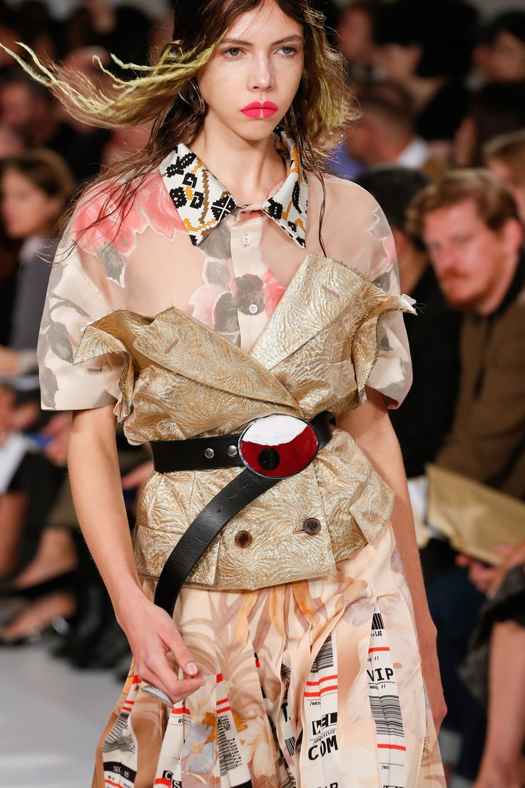 See detail photos for Maison Margiela Spring 2018 Ready-to-Wear collection.
