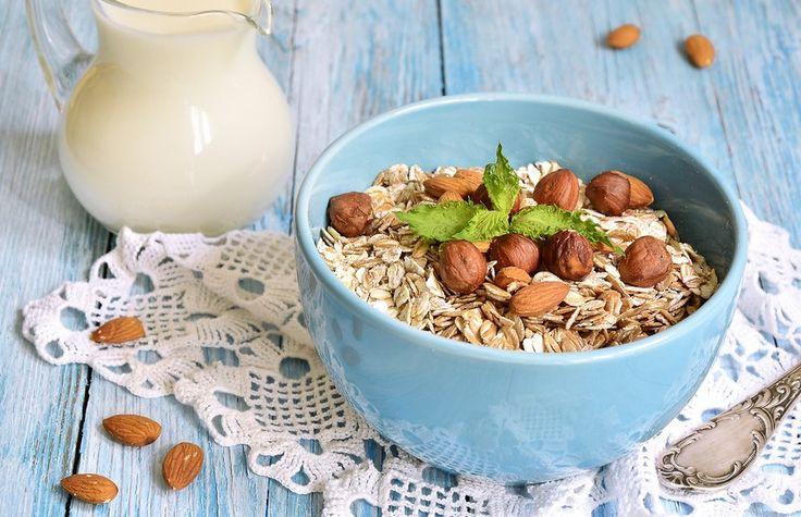 Havermuesli met noten, ontbijtgerechten, Zin in eten, tussendoortjes