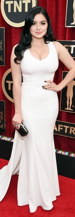 Ariel Winter's white gown that she wore to the 2015 Screen Actors Guild Awards fashion style id