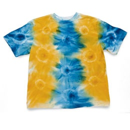 Tie dye with a spray bottle