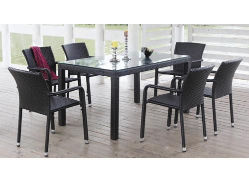 back outdoor dinning table x 6 seats