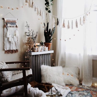 Major holiday room inspiration from @_andreaposadas_ ✨  I'be added all you need to decorate for the holidays HERE  http://liketk.it/2pIBC  Just type that link into your browser or sing up for @liketoknow.it and they will email you all the details and where to shop!! #liketkit