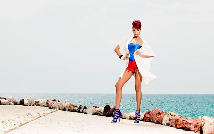 Shaya... Pop, Sexy, Cool !!!  Η εντυπωσιακή star φωτογραφήθηκε για το lilalo.gr !!