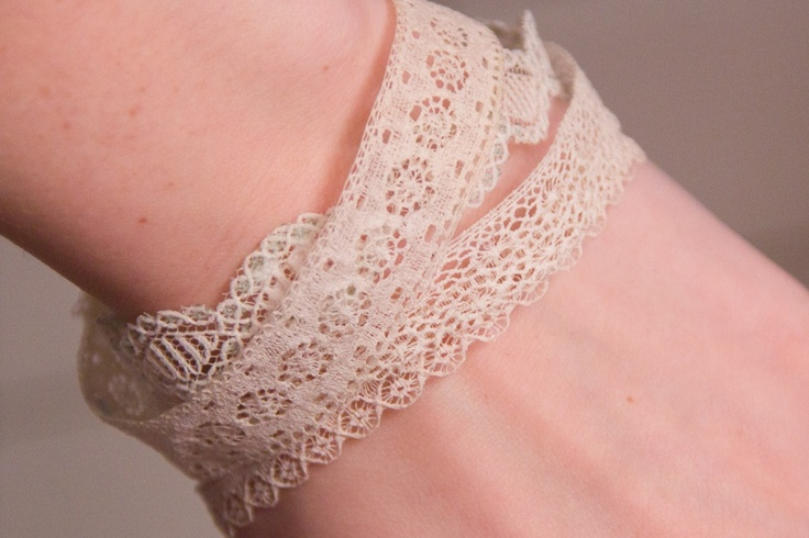DIY lace bracelets