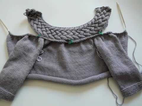 ▶ How to join knitted pieces at different directions - YouTube