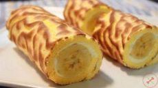 🔹Творожный рулет с бананом: фитнес-десерт🔹 🔸Итого на 100 грамм - 114 ккал🔸 Белки- 11 🔸Жиры -2🔸Углеводы - 15🔸 Ингредиенты: • овсяные хлопья 5 ст. л. • творог обезжиренный 300 г • два небольших банана 200 г • яйцо 1 шт. • стевия по вкусу Приготовление: 1. Тесто: измалываем хлопья в муку. Соединяем творог, стевию, муку и яйцо. Вымешиваем тесто. Оно слегка липнет к рукам. Разделяем на 2 части, под 2 банана. 2. Раскатываем тесто, не очень тонко. 3. Кладем банан ближе к одному из краев и…