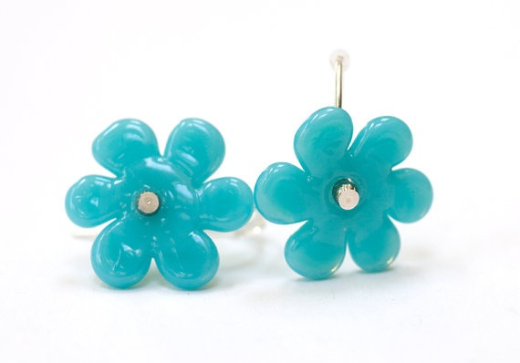 Rare Sale! http://us1.campaign-archive1.com/?u=1297a4997025c863882964504=5e1cd811df  Turquoise Blue Flower Bead Earrings Handmade by susansheehan