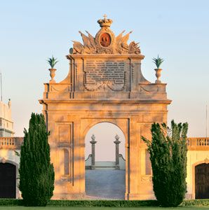 HOTEL TIVOLI PALÁCIO DE SETEAIS (1787), Sintra, Portugal. http://en.wikipedia.org/wiki/Seteais_Palace | Photo: Tivoli Hotels & Resorts @ Travel + Leisure. http://www.travelandleisure.com/articles/sintra-portugals-ancient-mountain-village