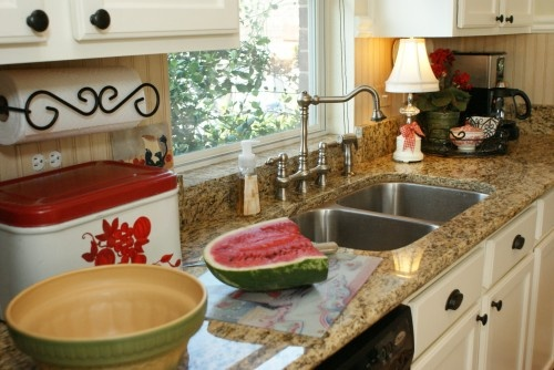 Check out that paper towel holder.  LOVE IT!: Photos, Traditional Kitchens, Towels Holders, Dallas, Kitchens Tables, Kitchens Ideas, Kitchens Islands, Paper Towels
