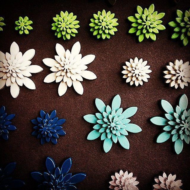 #jujuflowers #wearjuju #plexiglasjewelry #plexiglas #juju #danishdesign