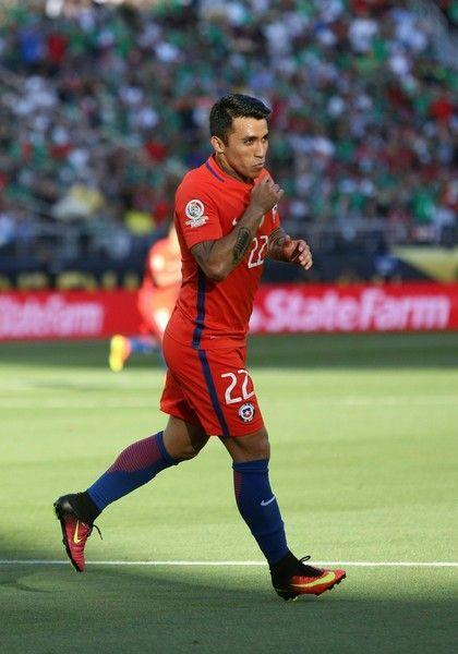 Edson Puch celebrates.  Chile NT.  Copa America.