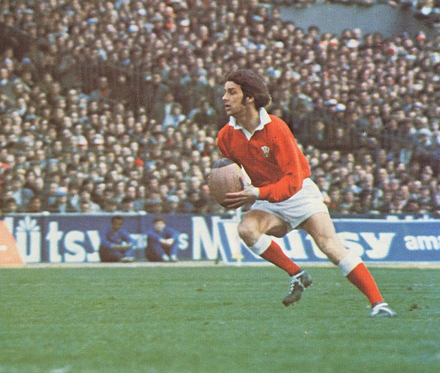 Barry John - Quite possibly the greatest fly half ever.