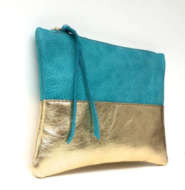 Kleine Kosmetiktasche aus hochwertigem Leder in Gold und Türkis / convenient make-up bag from high quality leather in gold and turquoise made by kaa-Berlin via DaWanda.com