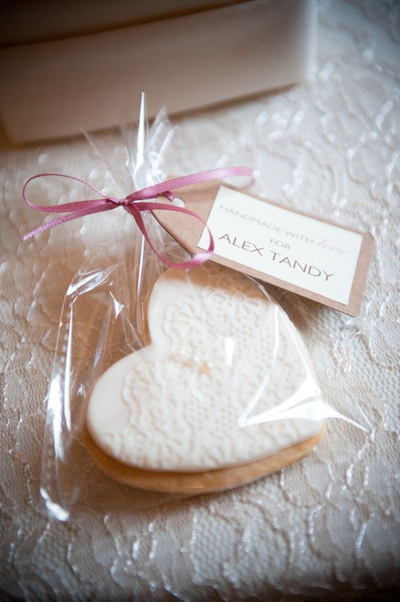 Rachael_Connerton_Photography Hand made biscuits as wedding favours