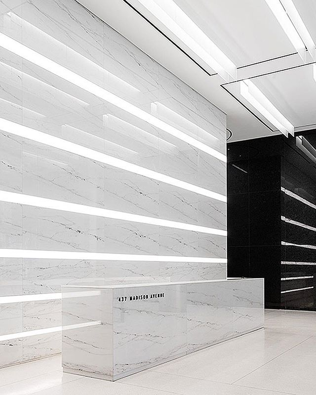 Sleek Entrance For 437 Madison Avenue In New York Received Best Of Year Recognition Office Lobby Ricardo Parra
