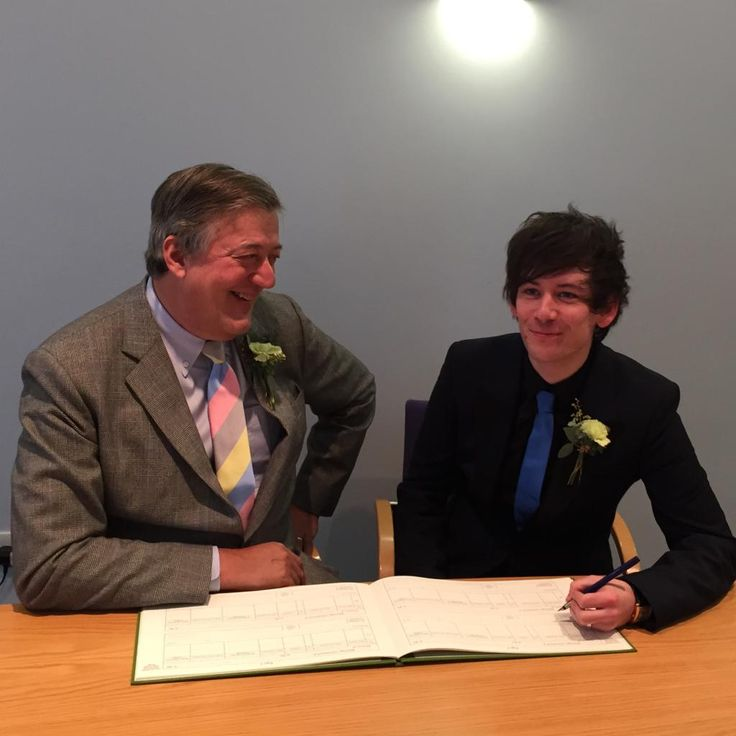 "Stephen Fry: ""Gosh. [@]ElliottGSpencer and I go into a room as two people, sign a book and leave as one. Amazing."" : twitter - 12:01 pm et - 17 Jan 2015  #justmarried"