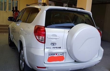 Bahrain, Vehicles, BHD 2700 / Toyota RAV4, 2007, automatic, 200 KM, Rav 4 For Sale