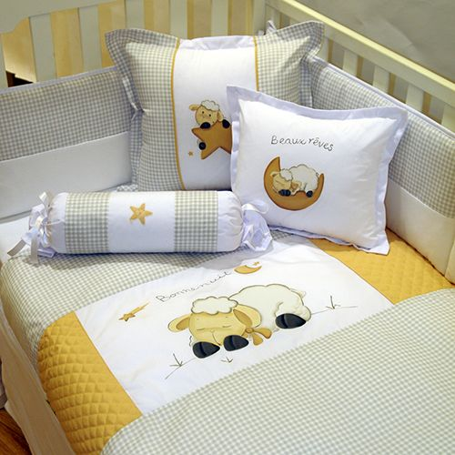 Literie b b mouton baby 39 s room pinterest for Meuble bebe laval