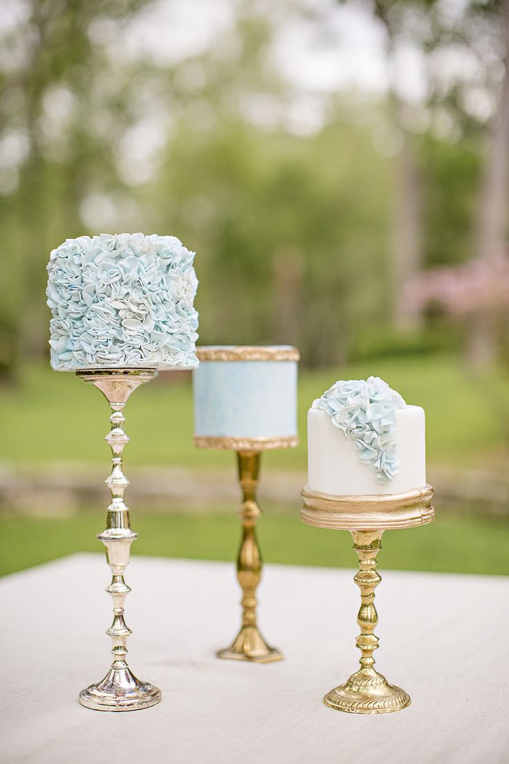 Trio of delicate mini-cakes. Photography: Alicia Pyne Photography - www.aliciapyne.com