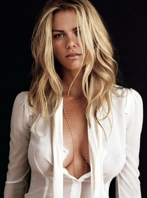 Brooklyn Decker | hot | girl | blonde | shirt