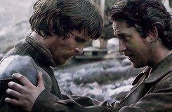 How cute were these two in Reign of Fire ♡ Gerard Butler and Christian Bale