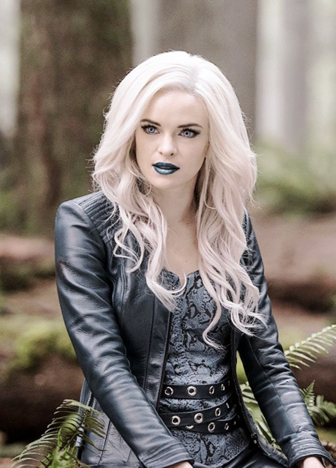Pin em Caitlin Snow/Killer Frost