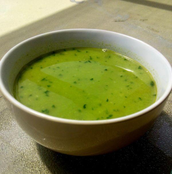 Hrášková polievka - Táto polievka sa dá jesť ako aj teplá, tak za studena. Je…