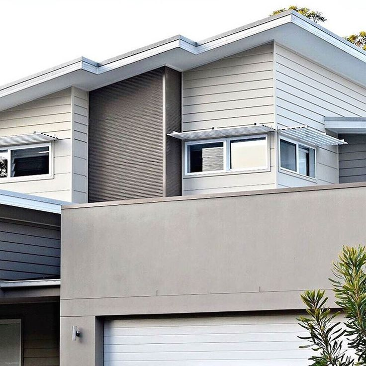 Really love the work of @chromacolourdesign - always has so much attention to tone. This is a neutral @taubmans palette with Scyon Stria cladding and @colorbondsteel.  #australianarchitecture #architecture #exteriordesign #taubmans #scyonwalls