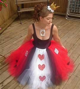 Queen of hearts Halloween costume. Could probably make this with a no sew tutu and black tank top for less than $15