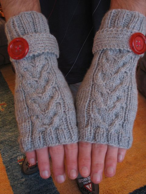 Free Knitting Pattern For Cabled Fingerless Gloves : 17 Best images about knit fingerless mittens/gloves (cabled) on Pinterest F...