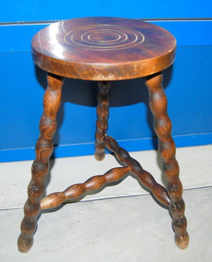Piccolo sgabello con gamba decorata h 46 cm
