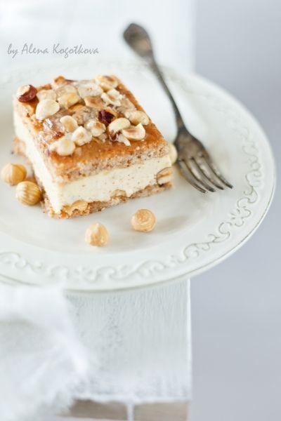 Langaroli di L. Montersino's Cream Chantilly with Hazelnuts