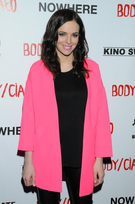 Anna Wendzikowska wearing Mohito pink blazer