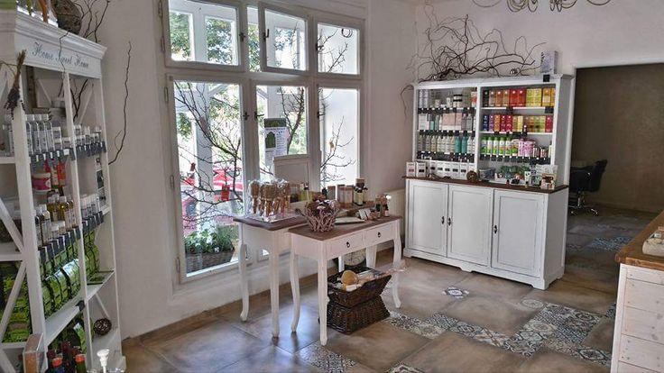 Přírodní kadeřnictví v Praze » Studio BIO Praha 3 Žižkov, barvíme a používáme přípravky na vlasy které jsou přírodní, bio