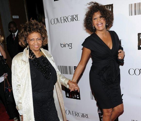 Whitney Houston And Cissy Houston Cissy Houston Whitney Houston Celebrity Moms