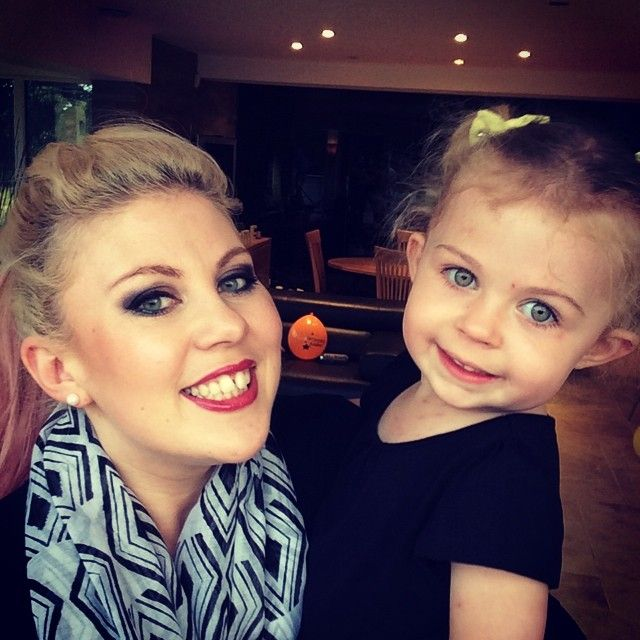 Louise (Sprinkleofglitter) and her adorable baby Darcy! I love Louise so much she is so down to earth and relatable! She is hilarious too and her vlogs are the best! Is it weird that I like the homey day vlogs?!